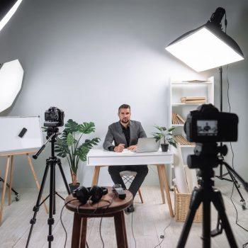 Webinar Studio mieten: Kosteneffiziente und praktische Lösung von Posmyk-Medienproduktion